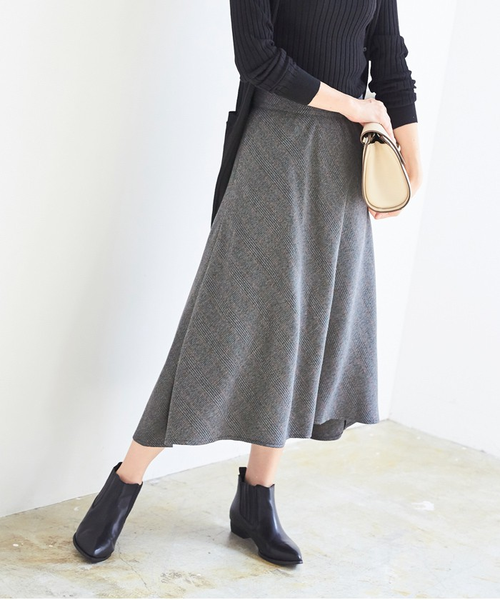 チェック柄ヘムラインフレアスカート1