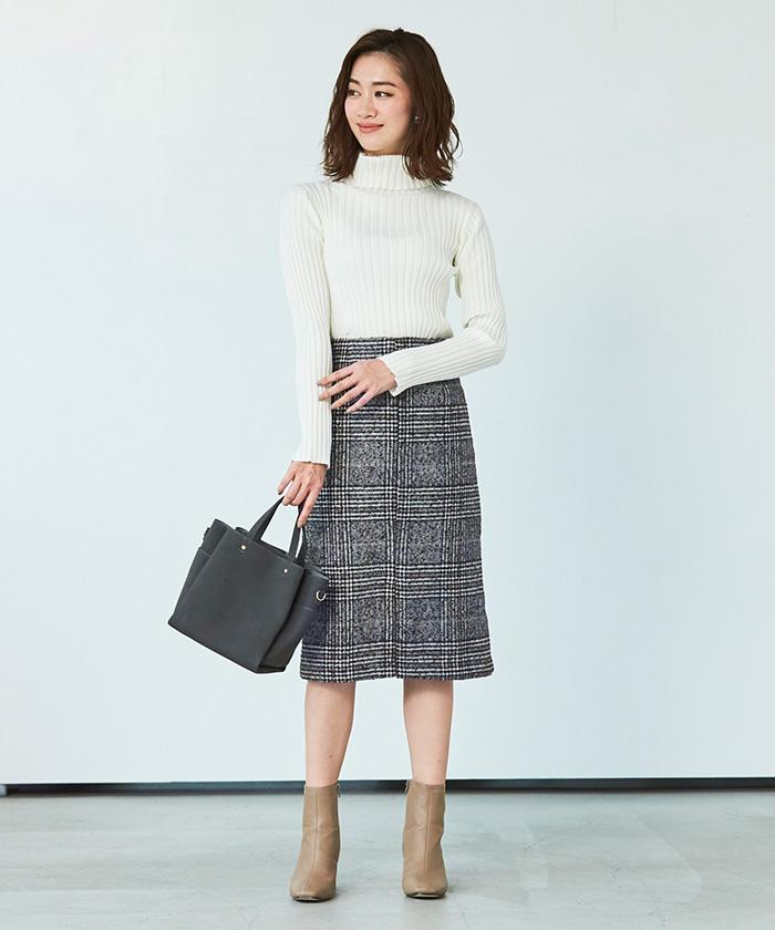 フロントスリットパターンタイトスカート1
