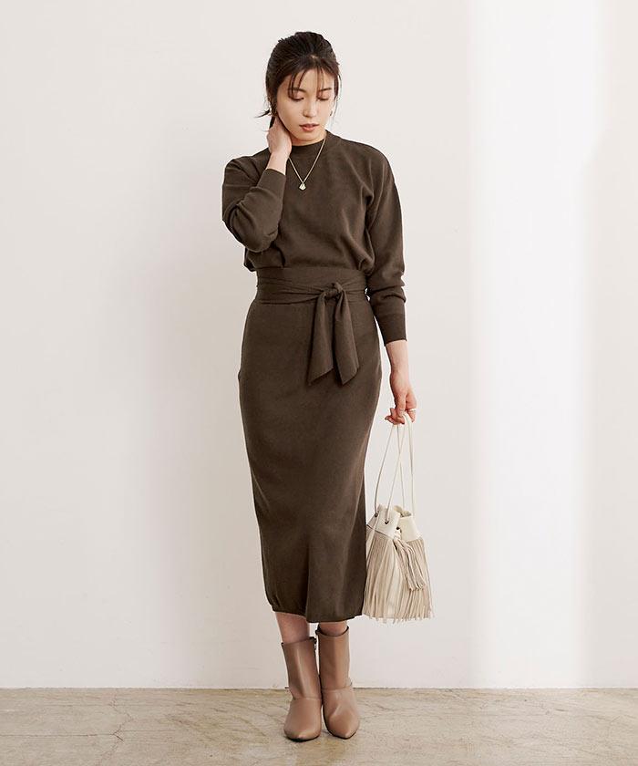 リボン付ニット×タイトスカートセットアップ1