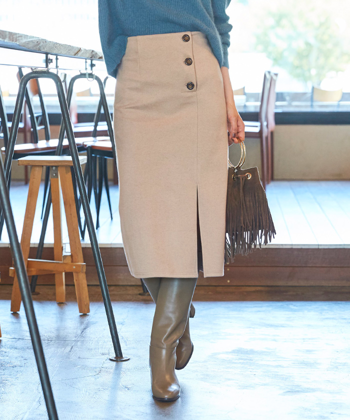 サイドボタンタイトスカート4