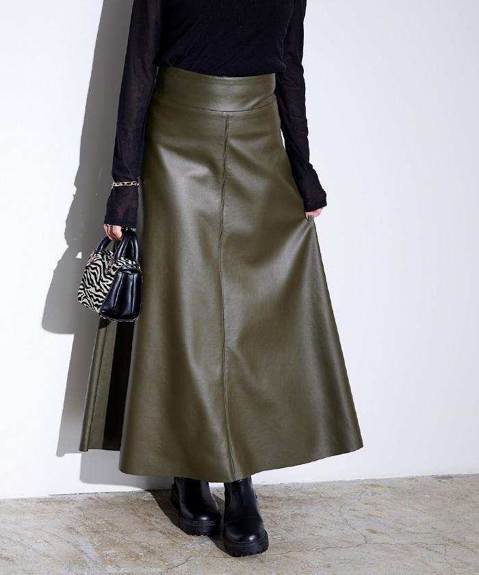 フェイクレザーフレアスカート3