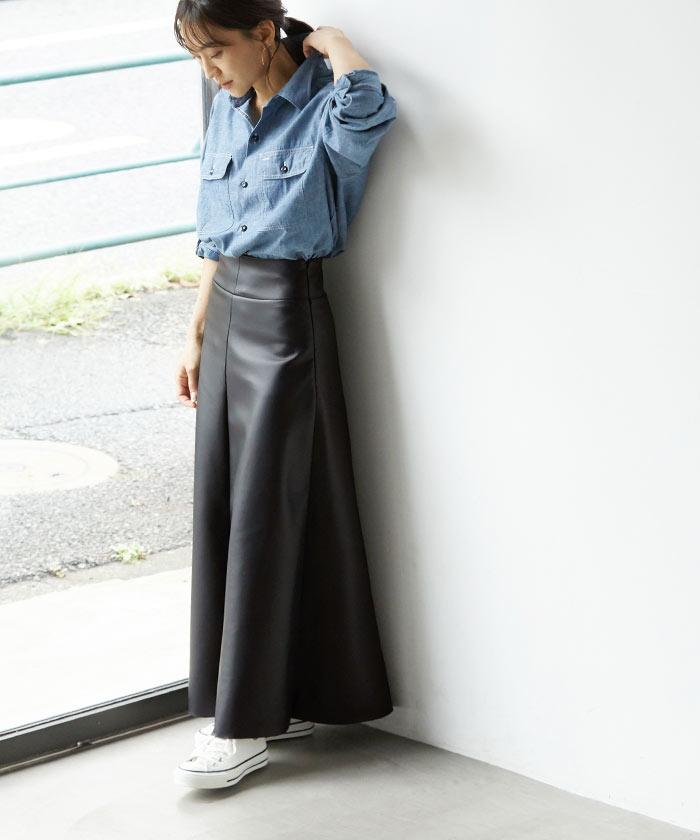 フェイクレザーフレアスカート1