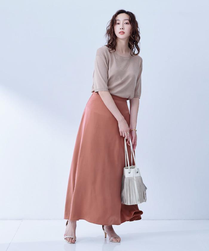 サテンロングスカート1